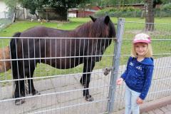 Katharina mit Pferd in der Lochmühle