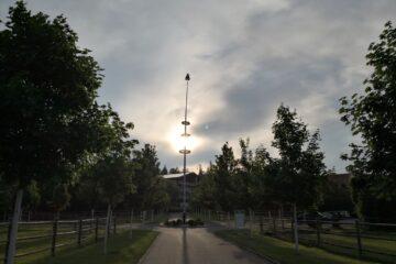 Der Maibaum am Dorfplatz